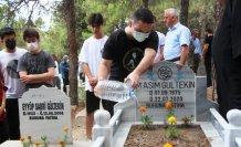 Gazeteci, yazar ve eğitmen Asım Gültekin kabri başında anıldı