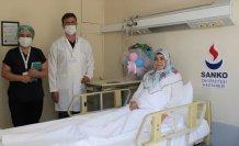 Gaziantep'te böbrek nakliyle sağlığına kavuşan genç kadın ikiz bebek sevinci yaşıyor