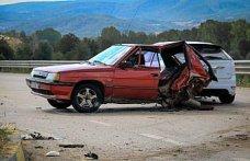 Kastamonu'da iki otomobil çarpıştı: 6 yaralı