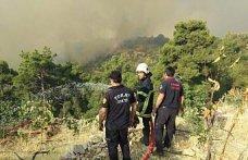 Tokat Belediyesi itfaiye ekipleri Antalya'da yangın söndürme çalışmalarına katılıyor