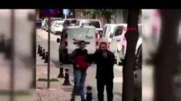 Samsun Sokak Ortasında Çıkan Kavgada Kafasına Ekmek Bıcağı Saplandı