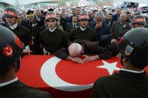 Piyade Jandarma Er Yunus Kaymak'ın cenazesi, memleketi Ordu'nun Akkuş ilçesinde son yolculuğuna uğurlandı.