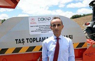 Artova'da taş toplama makinesi hizmete girdi