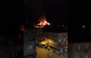 Bartın'da çatı yangını