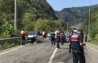 Karabük'te trafik kazası: 1 ölü, 8 yaralı