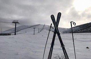 Samsun'da Akdağ Kayak Merkezi'ne mevsimin ilk karı...