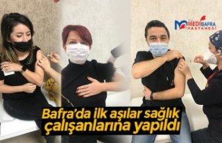 Bafra'da ilk aşılar sağlık çalışanlarına...