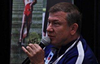 Tanju Çolak: Golcü olabilmen için tüm takım arkadaşlarının...