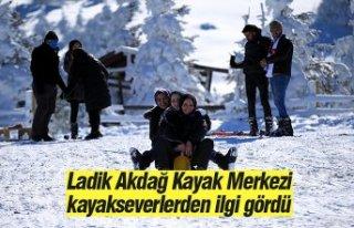 Ladik Akdağ Kayak Merkezi kayakseverlerden ilgi gördü