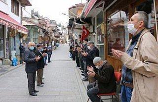 Bolu'da 7 asırdır her cuma yapılan esnaf duası...