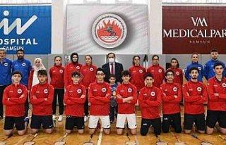 Samsun'dan 6 sporcu Badminton Milli Takımı'na...