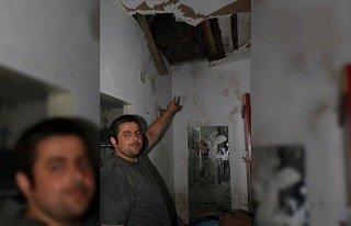 Bozkurt'taki sel felaketinden tavanı yangın tüpüyle...
