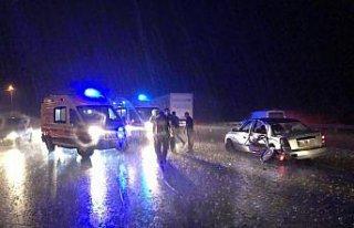 Rize'de iki otomobil çarpıştı: 1 ölü, 1 yaralı