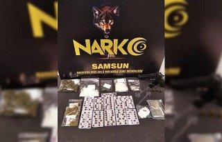 Samsun'da düzenlenen uyuşturucu operasyonunda 4...