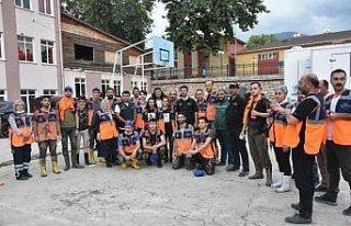 Sanatçı ve AFAD gönüllüsü Murat Kekilli, sel...