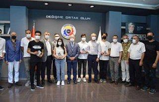 YKS'de ilk 1000'e giren Ereğli'deki 6 öğrenciye...