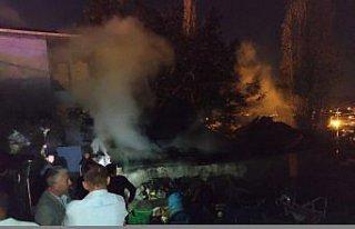 Amasya'da müştemilatta çıkan yangın evlere sıçramadan...