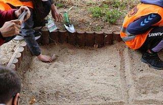 BİLSEM öğrencileri, fosil ormanda araştırma yaptı
