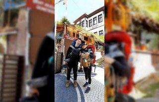 Bisikletle dünya turu yapan Çinli turistler Mudurnu'da...