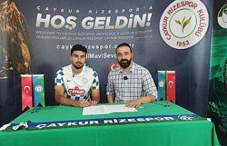 Çaykur Rizespor, gurbetçi futbolcu Deniz Hümmet'i...