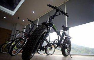 Düzce'de üretilen elektrikli motosiklet ve bisikletler...