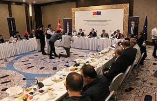 Kamu Başdenetçisi Şeref Malkoç Samsun'da gazetecilerle...
