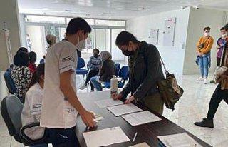 Karabük'te üniversite öğrencileri, aşılarını...