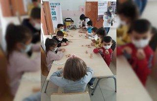 Kastamonu'da bilim festivaline katılan çocuklar...