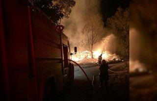 Mudurnu'da 3 ev yangında kullanılamaz hale geldi