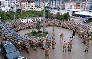 Sel afeti nedeniyle Bozkurt'ta görev yapan komandoların...