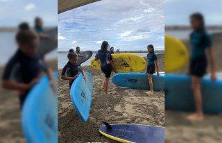 Sörf tutkunları Ordu'da denizin ve rüzgarın keyfini...