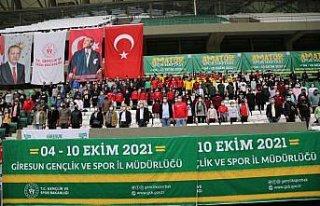 Giresun'da amatör spor kulüplerine malzeme dağıtıldı