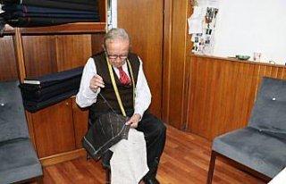 Karabük'te 91 yaşındaki terzi, mesleğini ilk günkü...