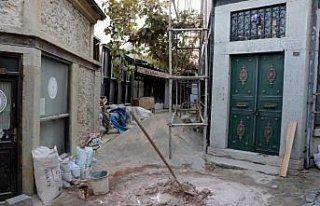 Safranbolu'daki 23 tarihi dükkanın restorasyon çalışmasına...