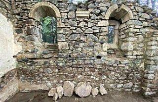 Sümela Manastırı kayalıklarındaki