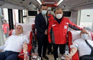 Zonguldak Valisi Tutulmaz'dan kan bağış kampanyasına...