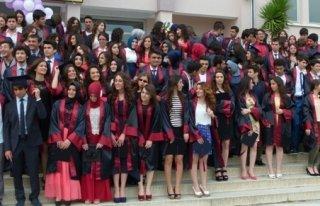 Öğretmen Lisesi 115 Mezun Verdi