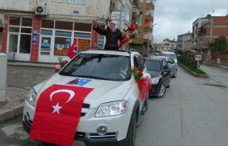 Kadın Bağımsız Adayı Bafra'da konvoy düzenledi...
