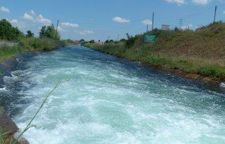 Sulama kanalı tehlike saçıyor