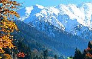 Akdağ Kayak Merkezi'ne mevsimin ilk karı yağdı