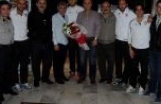 BAŞKAN ÖZTÜRK,'SAMSUNSPOR'U İZMİR'DE HİÇ YALNIZ...