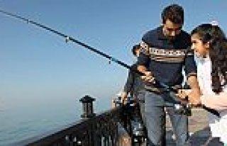 Engelli Çocukların Oltayla Balık Tutma Heyecanı
