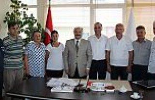 MHP'li Erhan Usta'dan Türk Kızılayı Samsun Şubesine...