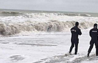 Yakakent'te Denize Açılan Balıkçıya 5 Gündür...