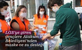 LGS'ye giren gençlere Atakum Belediyesi'nden maske ve su desteği