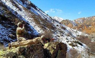 Sivas'ta komandolar soğuk havaya rağmen operasyonlarını sürdürüyor
