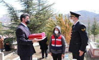 Emekli Jandarma Başçavuş, askeri törenle son yolculuğuna uğurlandı