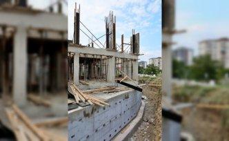 Samsun'da inşaatın ikinci katından düşen kalıpçı ustası ağır yaralandı