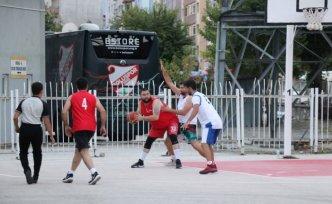 Bolu'da Sokak Basketbolu ve Kum Voleybolu 30 Ağustos Zafer Turnuvası sona erdi