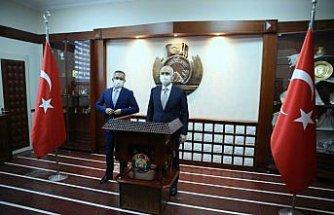 Bakan Karaismailoğlu AK Parti Rize İl Başkanlığını ziyaret etti: